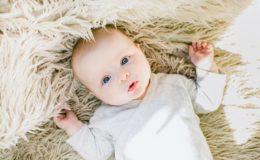 Bekijk de populairste babynamen van 2017